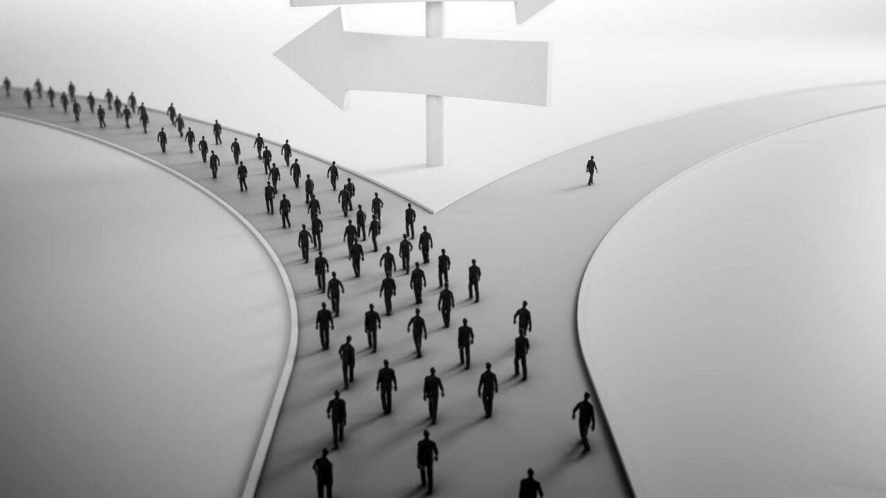 Чтобы найти новый путь, нужно уйти со старой дороги